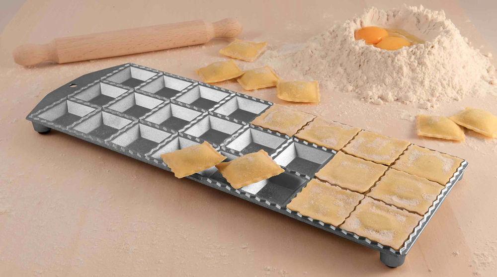 Eppicotispai Ravioli Maker With Rolling Pin 24 Square