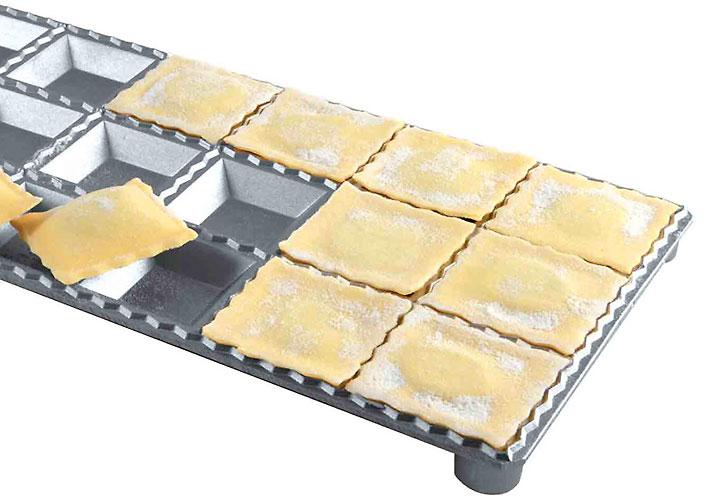 Eppicotispai 24-Hole Aluminum Square Ravioli Maker with Rolling Pin